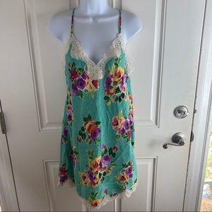 Victoria's Secret vintage M floral slip chemise